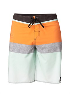"NNK6Yoke Checker  8"" Boardshorts by Quiksilver - FRT1"