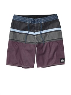 KVJ0Union Surplus 2   Shorts by Quiksilver - FRT1